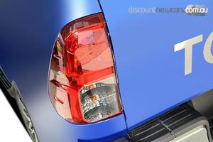 2019 Toyota Hilux SR5 Manual 4x4 Double Cab